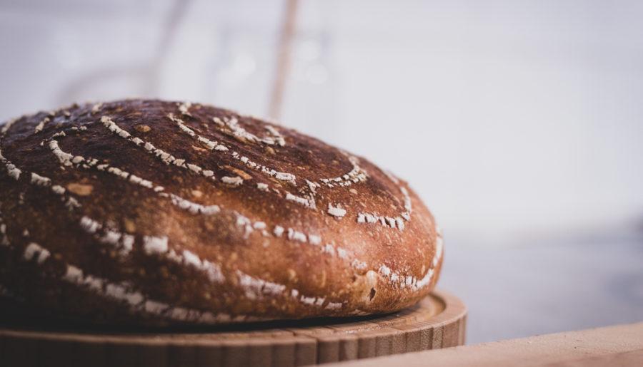 Wie kann man das Brot länger frisch halten?