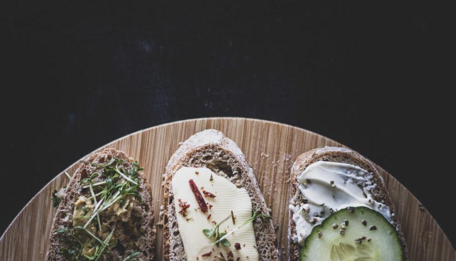 Weizen-Dinkel Brot ganz ohne Roggen - Serviervorschlag